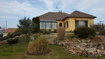 MAISON 210 m² Route de la Roche Posay   Réf 2106