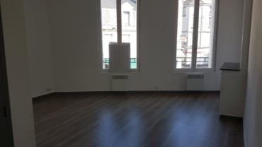APPARTEMENT F2 LOUE CHATEAUNEUF REF 2116