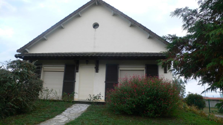 MAISON F3 PROCHE CENTRE COMMERCIAL Réf 2259