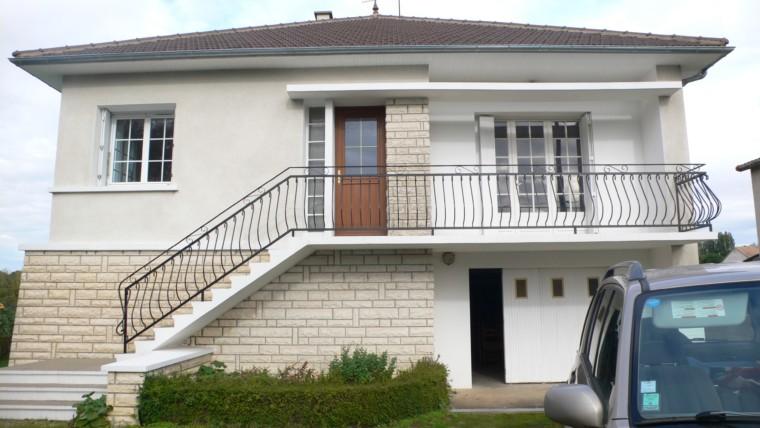 MAISON F5 DE 110 m² SUR SOUS-SOL SUR JARDIN DE 1350 m² CHATELLERAULT Réf 2274