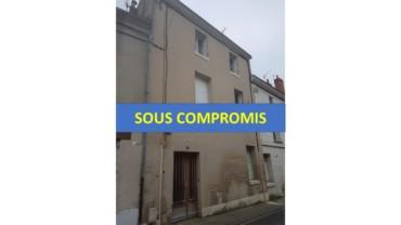 IMMEUBLE COMPOSE DE 2 APPARTEMENTS DONT UN F3 ET UN F4 EN DUPLEX CHATELLERAULT Réf 2345