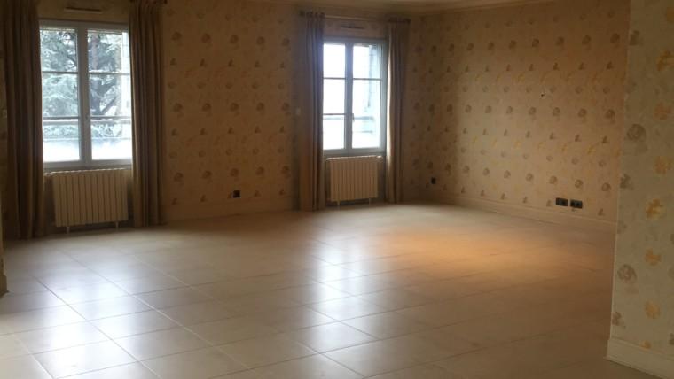 APPARTEMENT F3 DE 149 M² RESIDENCE «JEANNE D'ALBRET» CHÂTELLERAULT Réf 2376