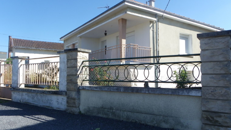 MAISON AVEC 3 CHAMBRES SUR TERRAIN DE 599M² CHÂTELLERAULT Réf 2406